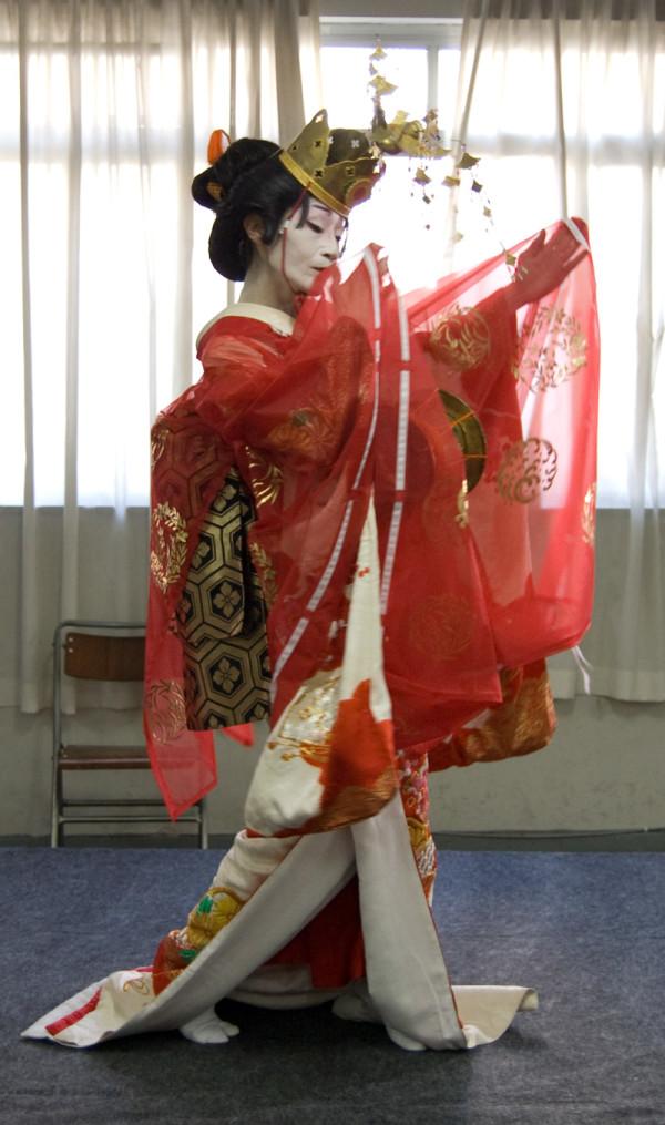 Sensei Yoshinojo Fujima
